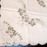 Скатерть с вышивкой Цветы РОЗОЧКИ  130*180 см   560