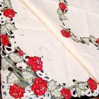 Скатерть с вышивкой Цветы красные  130*180 см   420