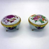 Шкатулка керамическая ЦВЕТЫ на ножках (1/144)6789-3