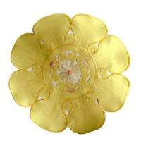 Салфетки круглые с вышивкой  желтые 30 см